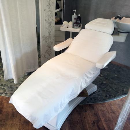 Pflege und Wohlbefinden - Make-up, Pflegeprodukte für Gesicht und Körper, Haarpflege und Wohlbefinden
